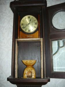 Часы ВЕСНА в старинном корпусе