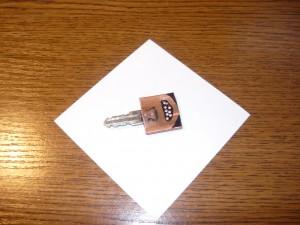 Просверленные отверстия заготовки и ключа