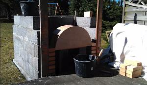 Установка макета купола для его укладки кирпичем