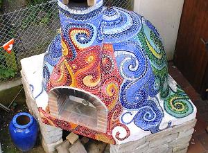 Дровяная печь с мозаикой
