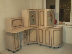Общий вид на мебель кухни