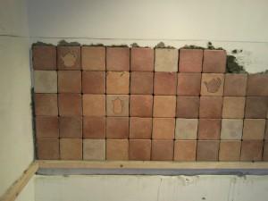 Начало укладки пятого ряда итальянской плитки