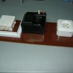 Щиток с распределительной коробкой на 220В, автоматом А-50 на 16А и трёхфазной разеткой