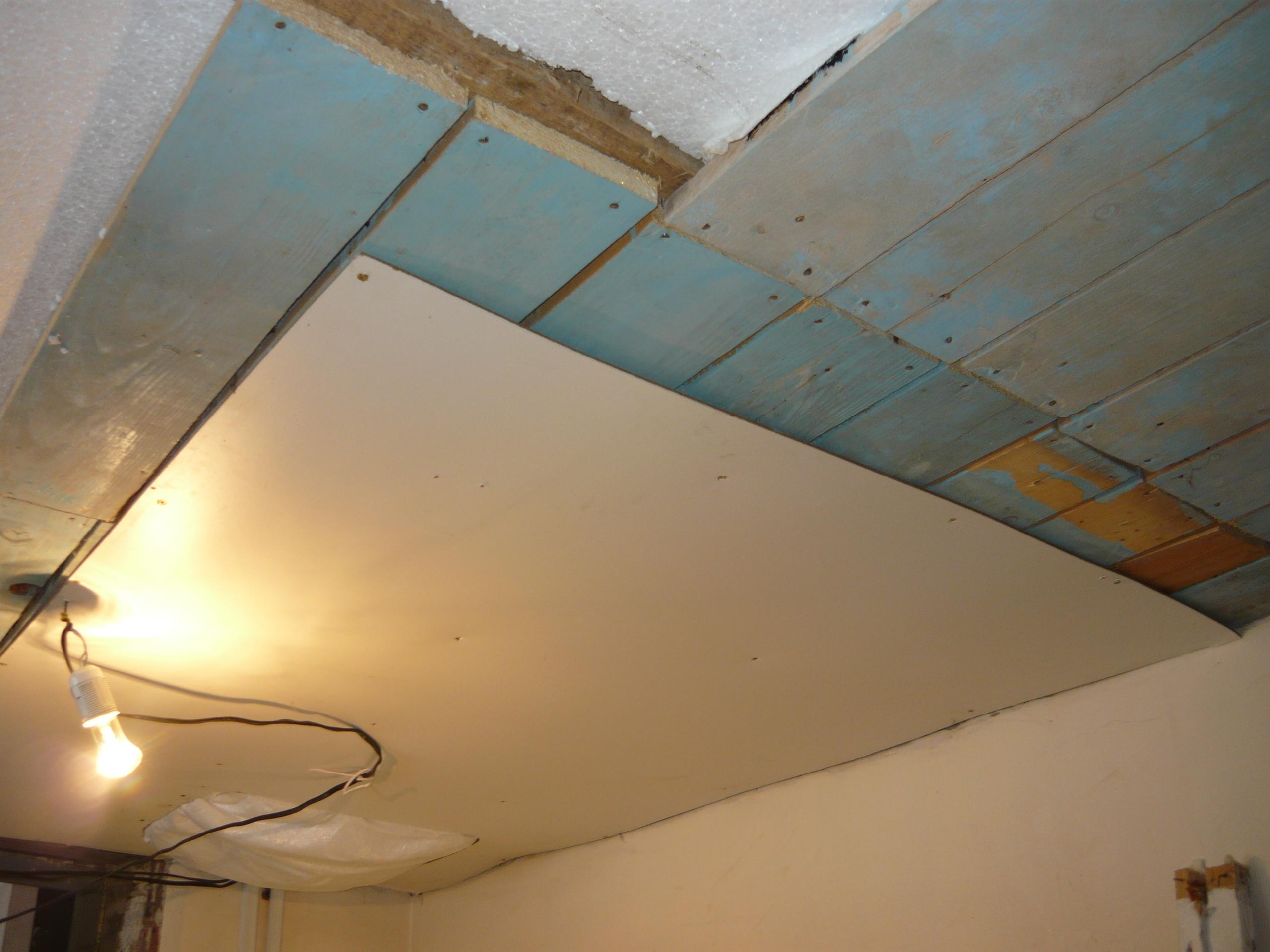 Как сделать потолок в старом доме