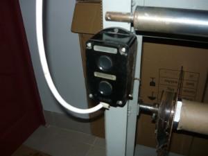 Блок кнопок на станине станка