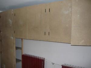 Монтаж дверок лицевых панелей шкафа