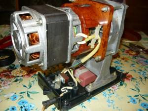 Механизм электромясорубки