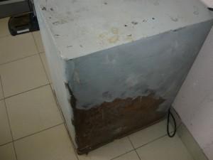 Вид на старый сейф сзади