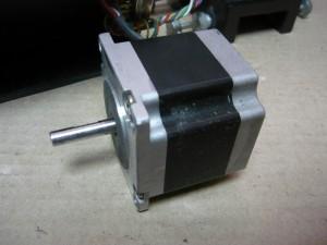 Снятый шаговый двигатель