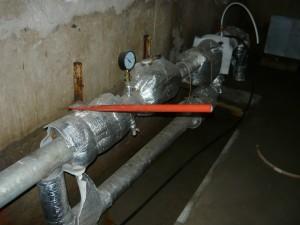 Подсоединение трубы к вводу водопровода в здание