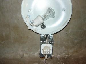 монтаж проводов второго светильника