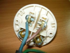 Подсоединение нулевого и фазного провода