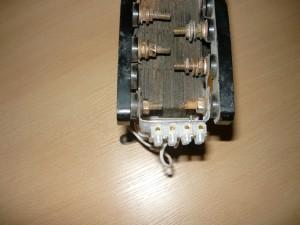 Крепление колодки на трансформаторе