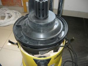 Снятый блок пылесоса с корпуса
