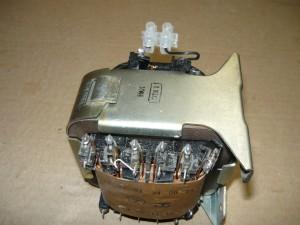 Установка колодки для подключения трансформатора к электросети