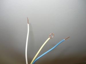Подготовка проводов для подсоединения розеток