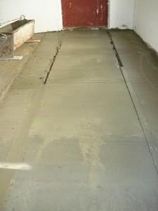 Финишный участок бетонирования плоскости коридора