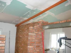 Возведение перегородок под потолок