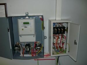 Подключение трехфазного электронного электросчетчика через рубильник