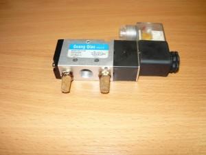 Электромагнитный клапан 4V210-08 для пневмосистемы