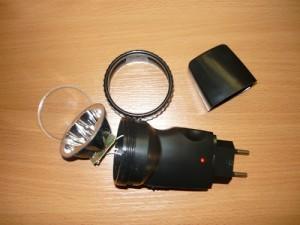 Начало разборки фонарика