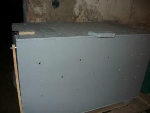 Хранение картофеля в ящике с просверленными дырами