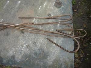 Шпильки, изготовленные из металла для укладки винограда