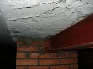 Вид слева на забетонированную часть межплиточного перекрытия