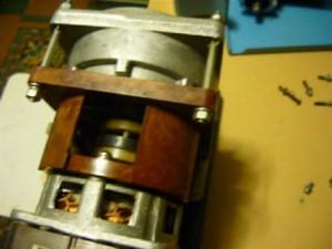 Вид на крепление электродвигателя к редуктору