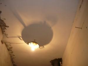 Включение света в помещении для ремонта