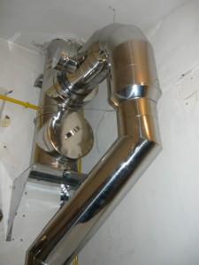 Вид на новую трубу для топочной из нержавеющей стали