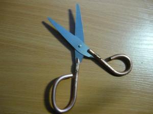 Вид на ножницы с одной стороны