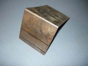 Вырезанный шаблон для изготовления основания для светильника