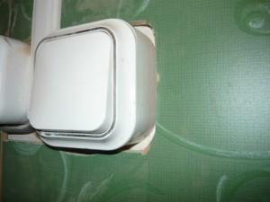 Обход плиткой розетки и выключателя