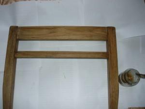 Собранная на клею передняя часть стула
