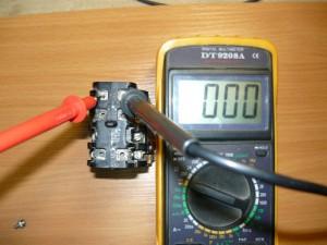 Проверка тестером на прозвонку нормально- замкнутых контактов