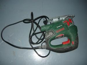 Электролобзик фирмы BOSCH для вырезания отверстий