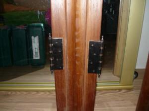 Крепление завесов на косяках дверной коробки