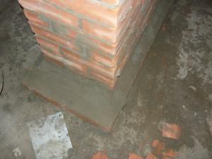 Покрытие основание тумбы цементно-песчаным раствором