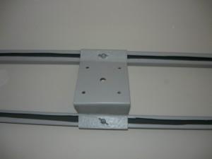 Монтаж покрашенного основания для светильника на профильные рейки