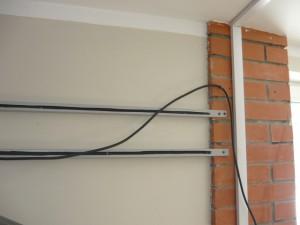 Первоначальное крепление кабеля