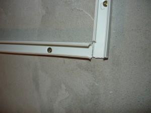 Вид на стыковку кабель-каналов в углу