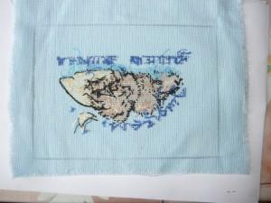 Вид на вышивку с разметкой с изнаночной стороны