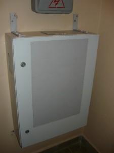 Готовый ящик для хранения переносок и удлинителей
