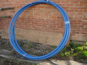 Пластиковая труба диаметром пять сантиметров