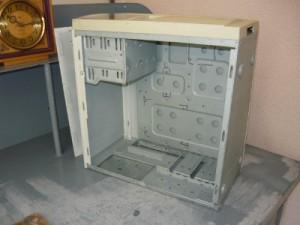 Корпус старого компьютера