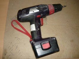 Шуруповерт на аккумуляторах производства Спарки