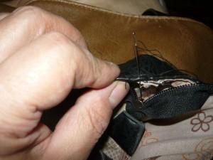 Вид на зашивание подкладки сумки