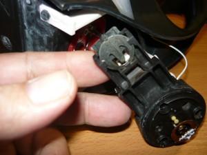 Вид на крепление датчика температуры на автомате электрочайника