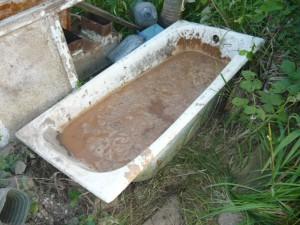 Глина, замоченная в ванне